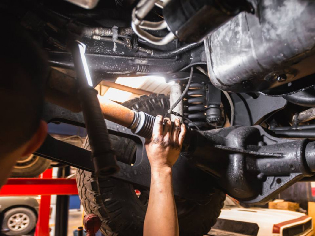 5 tips for keeping your transmission operating smoothly